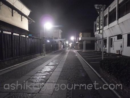 夜の鑁阿寺3