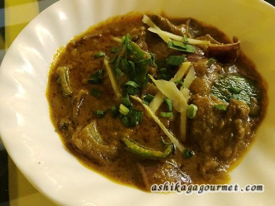 足利駅前インド料理ジャムナのチキンカレー