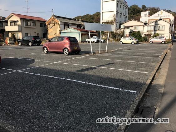 立花本店の駐車場