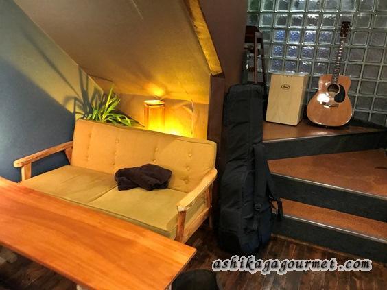 グリムカフェのソファ席